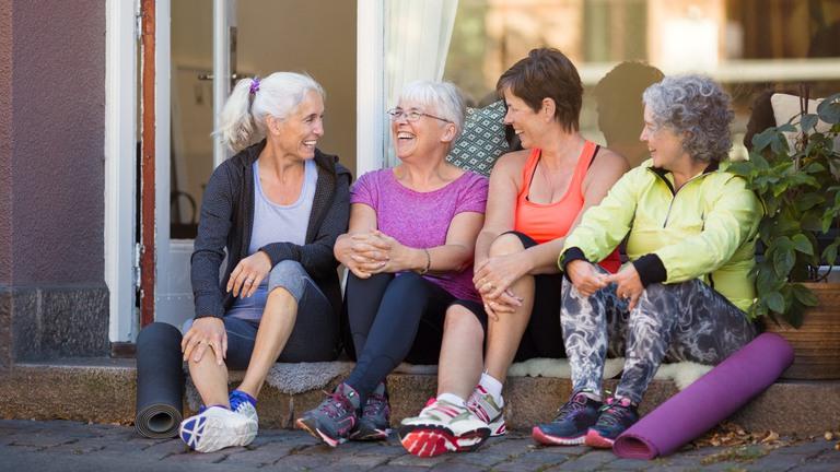 mötesplatser för äldre i forshälla